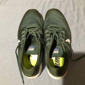 Nike Flex Run Shoes. Dark Green 10.5 barley used